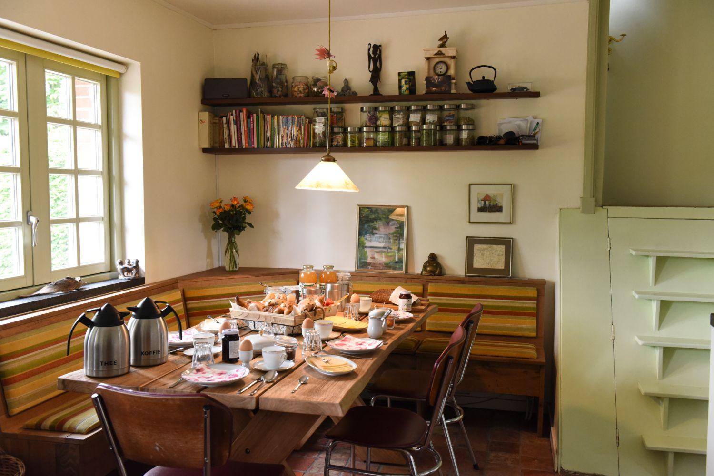 Ontbijt in de keuken de Roudonck